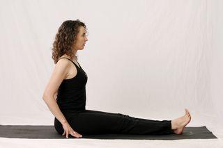 museasana, musasana, studying one yoga pose a month, yoga pose, hatha yoga, yoga, dandasana, staff pose