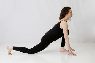 Ashva Sanchalanasana (Lunge Pose), lunge, yoga lunge, knee up lunge, knee down lunge, muselaura, laura erdman-luntz, muselan, musasana, museasana, yoga, hatha yoga, yoga pose, study one yoga pose a month, pose of the month, studying one pose, studying one yoga pose a month, yoga pose of the month